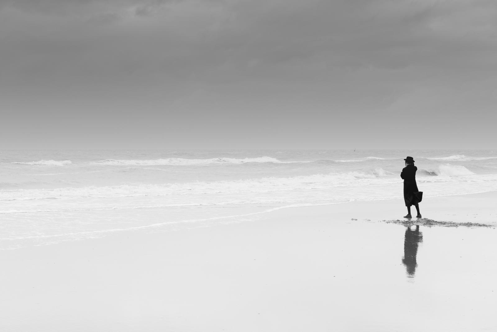 Photography image - Loading 01.Eddy_Verloes_The_sea_watcher.jpg
