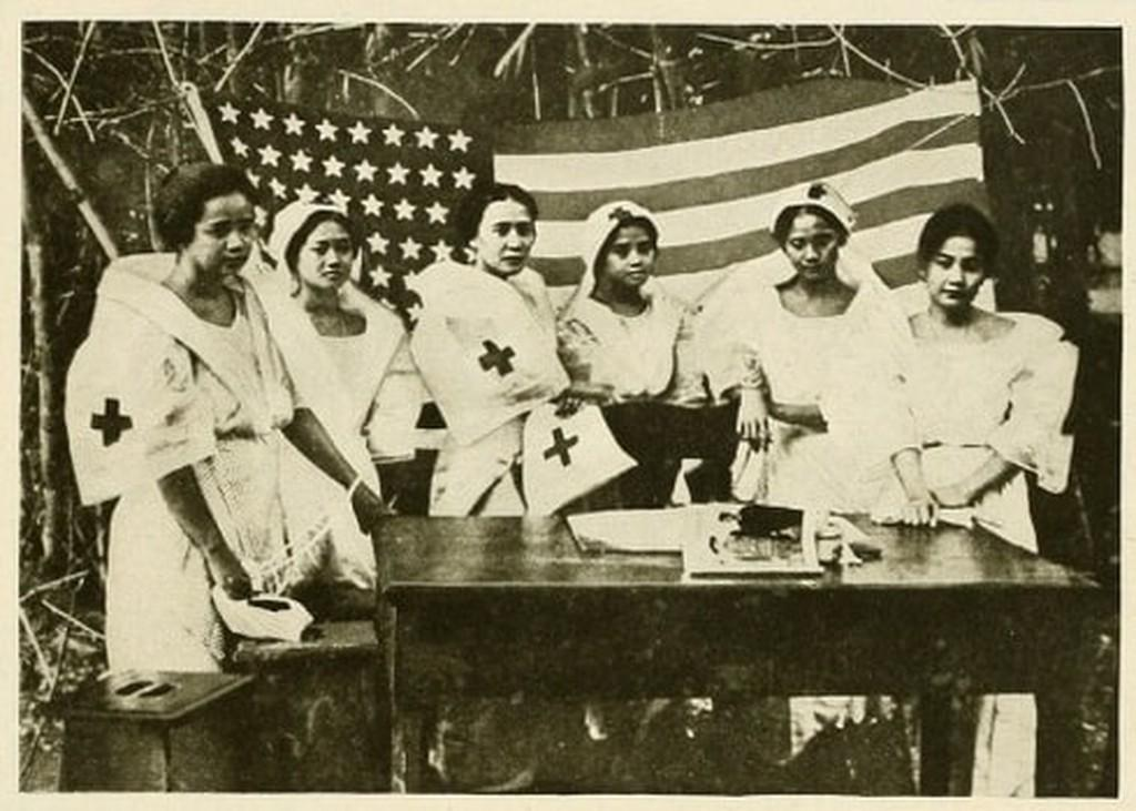 Photography image - Loading 1919_pic60_-_red_cross_nurses_in_the_philippines_(1).jpg