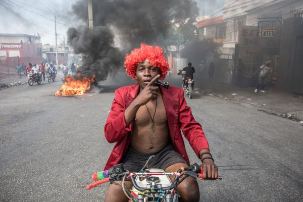 Several thousand people demonstrated on Sunday, February 14, 2021, in Port-au-Prince to denounce the desire, according to them, of the government in power to re-establish a dictatorship in the country, also criticizing the support of the international community for President Jovenel Moïse. (c) Valerie Baeriswyl