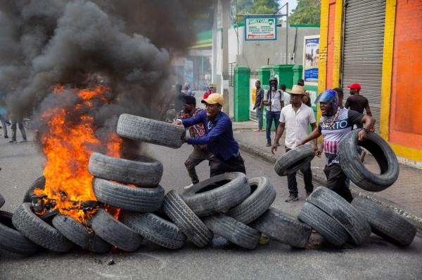 Haitian police violently dispersed an opposition protest (several hundred people) that marched through the streets of Port-au-Prince on Wednesday to call for the departure of President Jovenel Moïse and to condenm insecurity in Haiti. As a reminder, the Battle of Vertières on November 18, 1803 was the last major battle of the Haitian revolution, which ended in the defeat of the French army. November 18, 2020 (c) Valérie Baeriswyl
