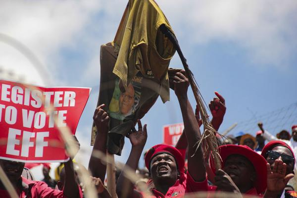 Econmic Freedom Fighter (EFF) Supporters gethered at Contitution court, during the Nkandla ruling, where president Jacob Zuma appered in a Constitution court against the charge of corruption scandal