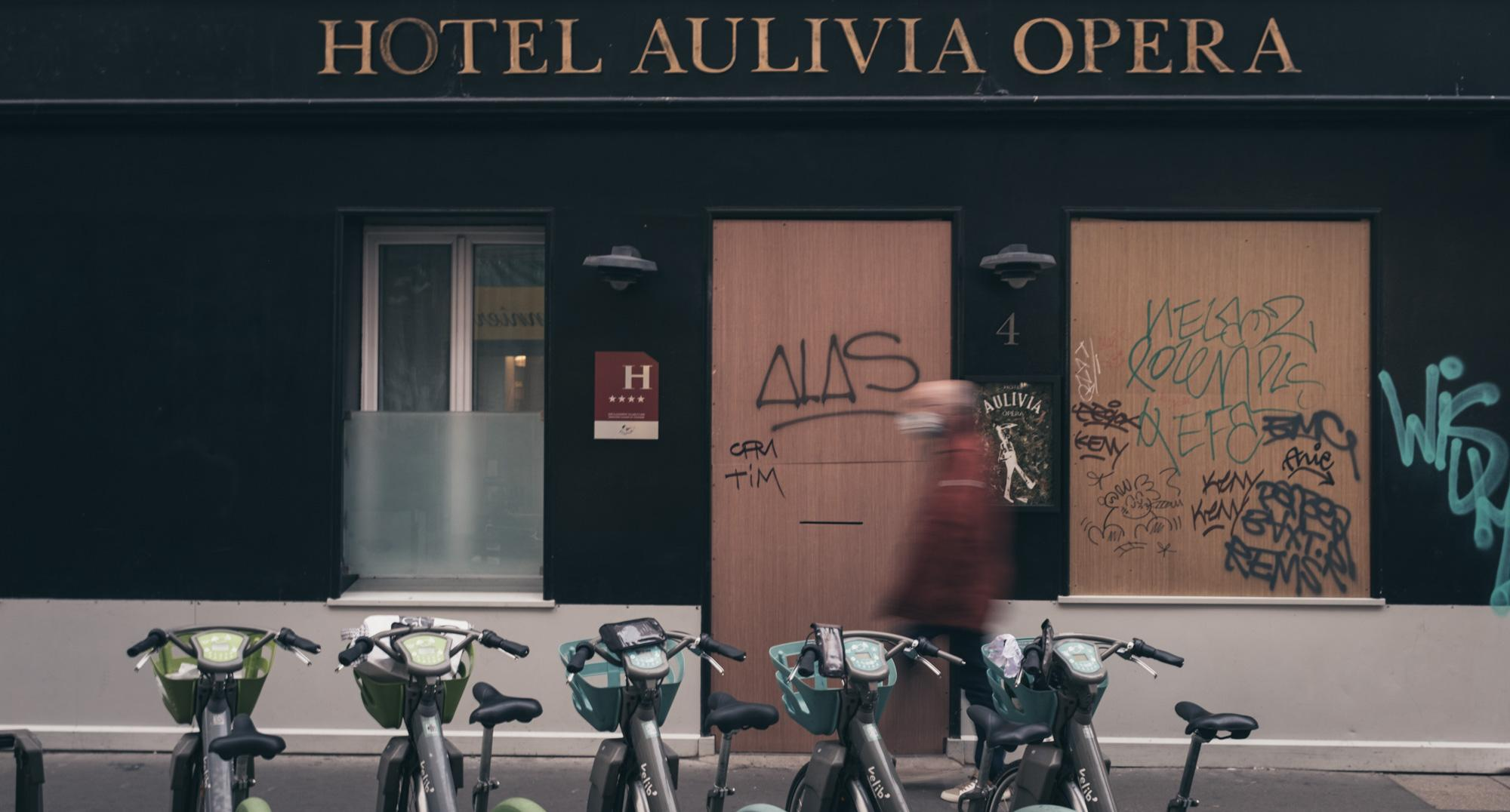 Hotel Aulivia Opera - Petites Ecuries. Covid side effects in Paris.