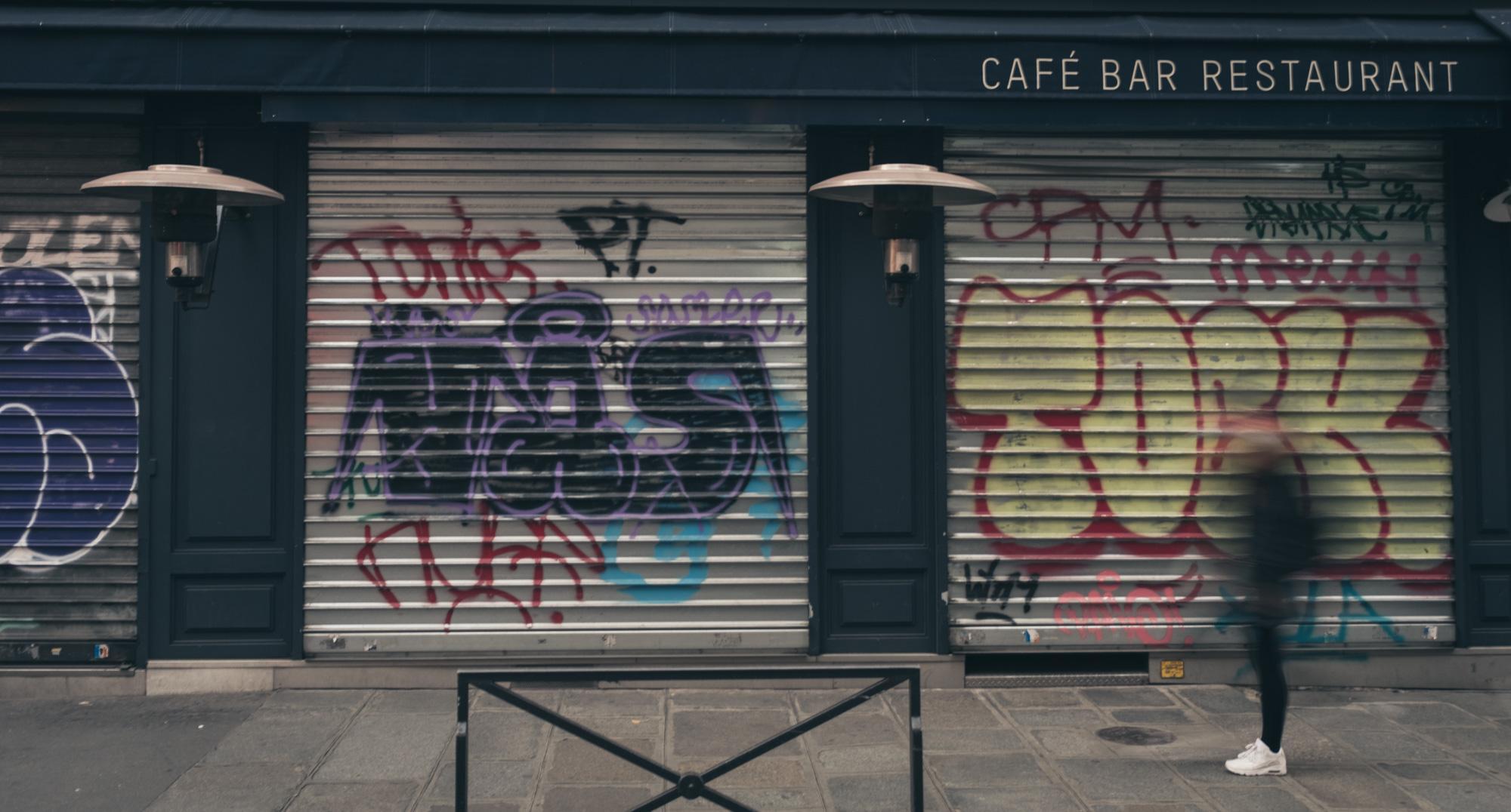 Le Richer - Boulevard Poissonnière. Covid side effects in Paris.