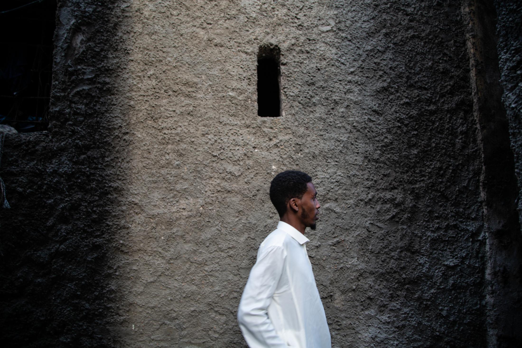 Men in Qamis in Xamar Weyne, Somalia.