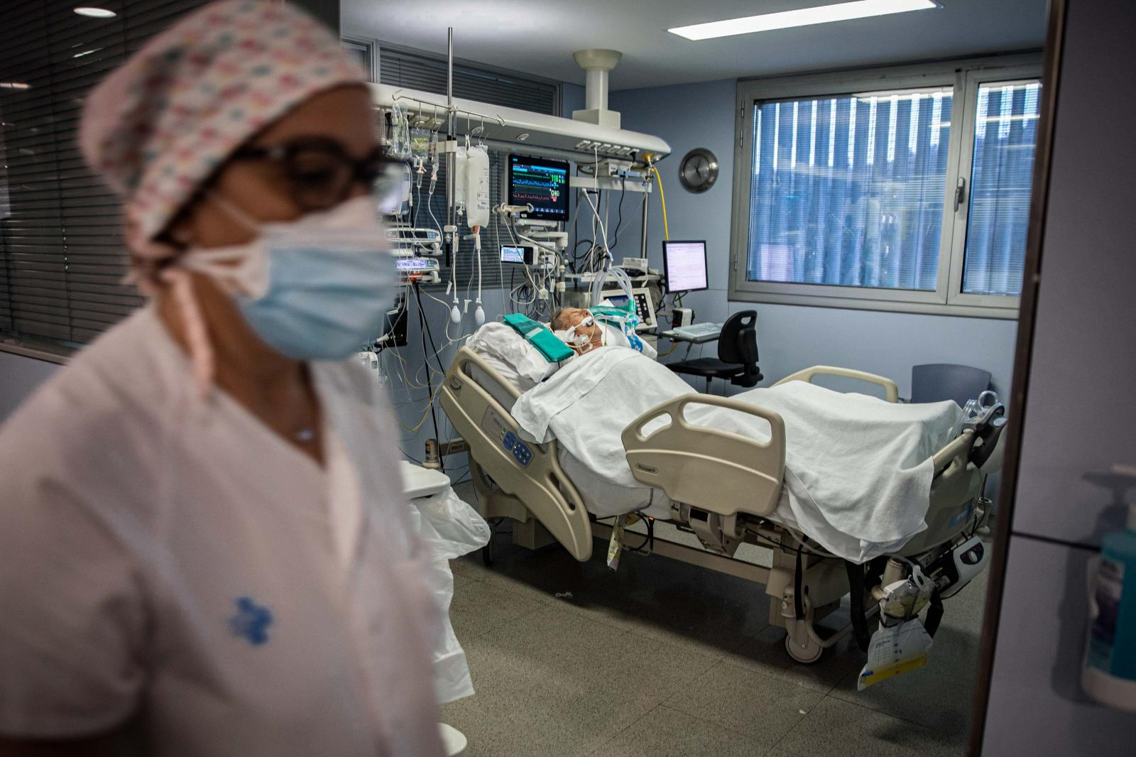 Photography image - Loading 26NOV_UCI_HOSPITAL_JOSEP_TRUETA202011268450.jpg