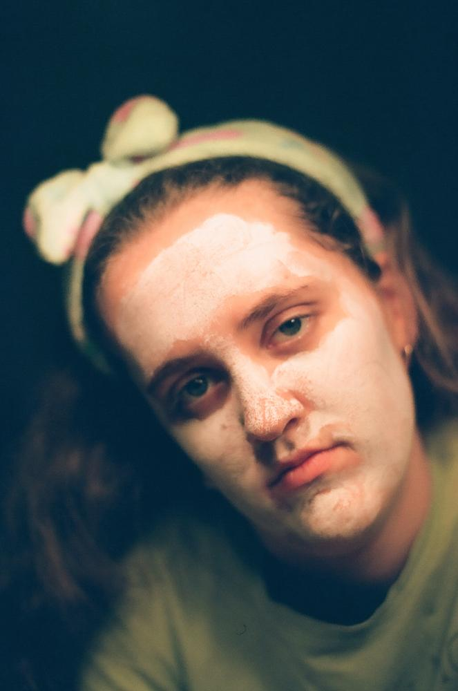 Zandra with a face mask. 2019.