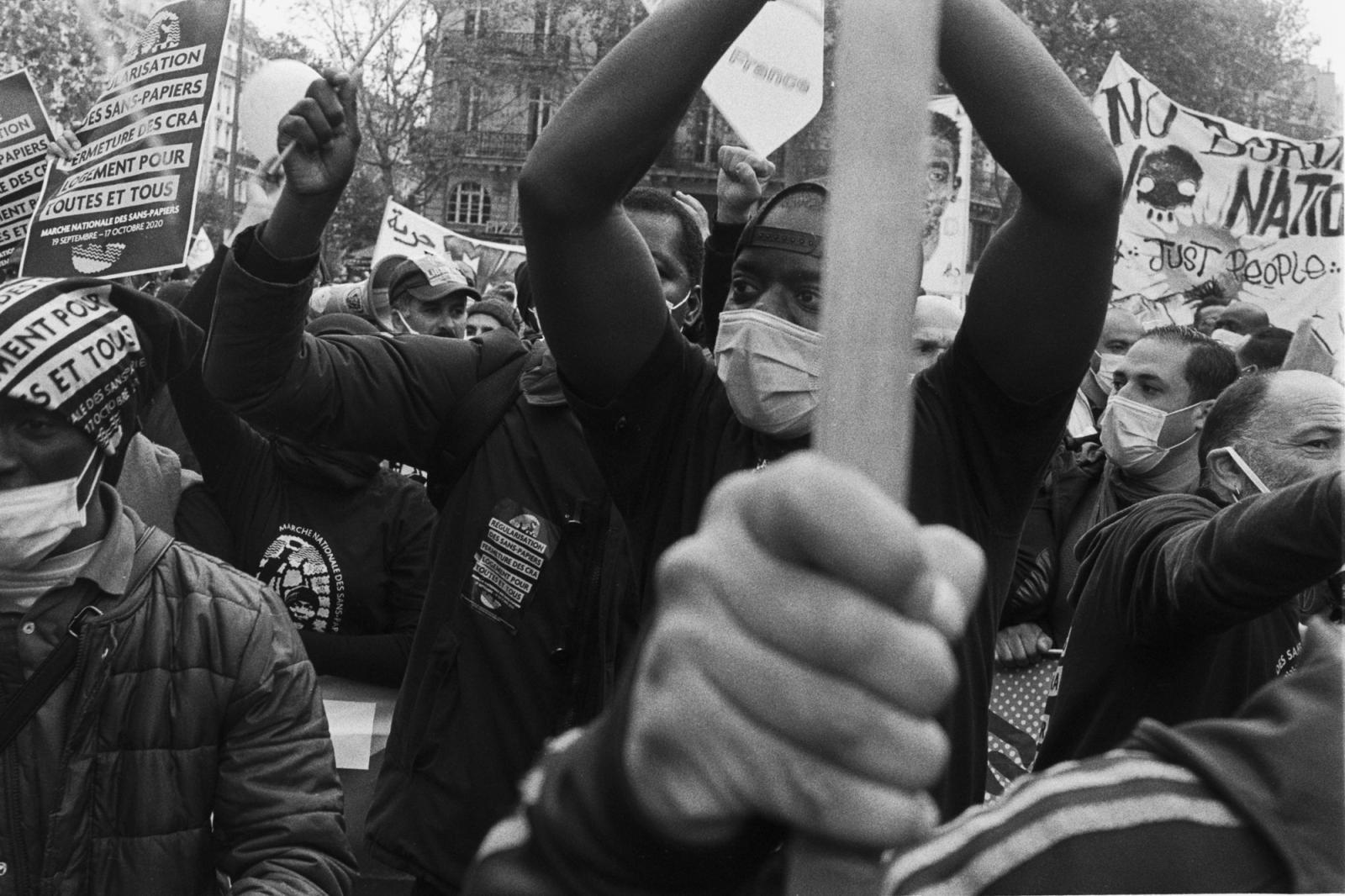 Manifestation des sans-papiers le samedi 17 Octobre 2020. Les manifestants viennent de la France entière. Ils se sont regroupés à Place de la République à 14h après leur longue marche qui a commencé le 19 Septembre 2020, il réclamé leurs régularisation .Arrivé à Place de la république .