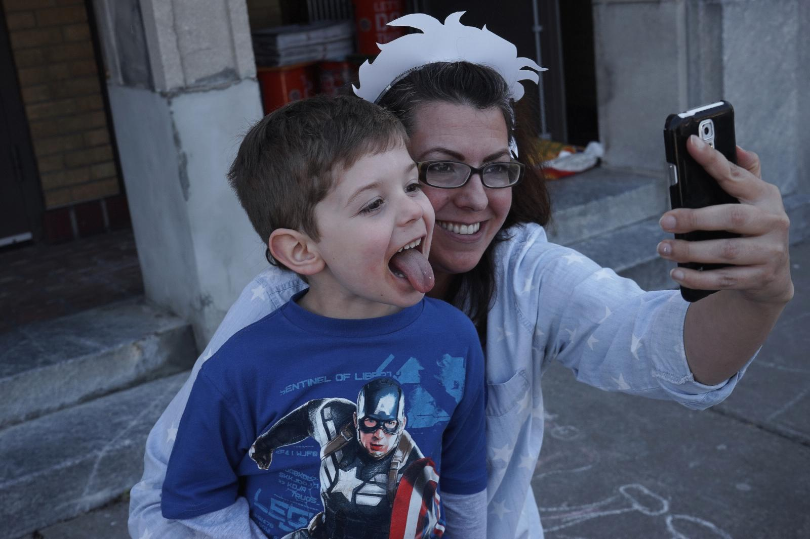 Photography image - Loading Super_Boy_with_Mom.jpg