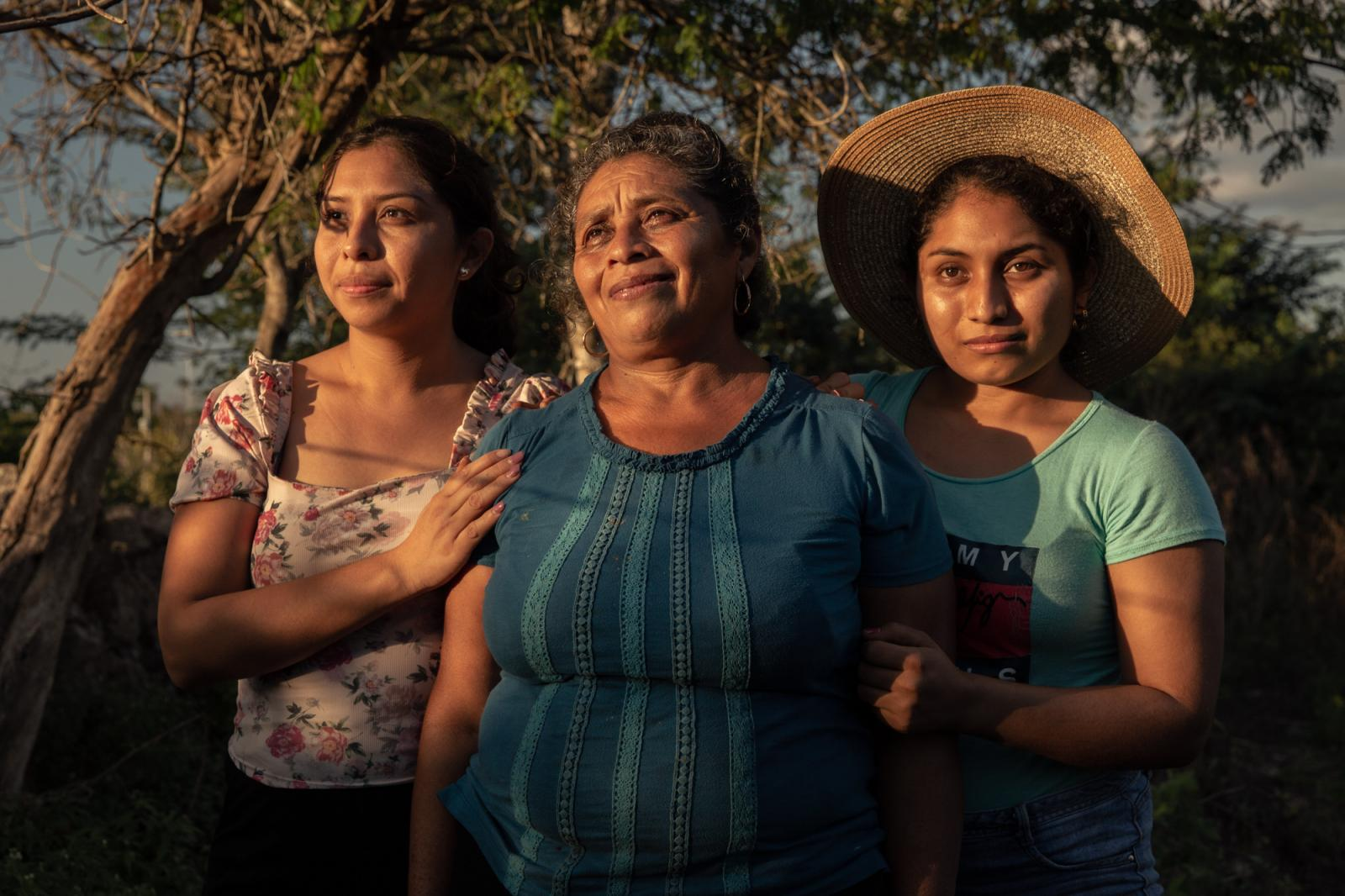 Graciela Cante (left), Graciela Chuc (center) and Flor Cante (right). Flor Cante is a woman of Mayan descent who lives with her family in a small town called Sotuta.