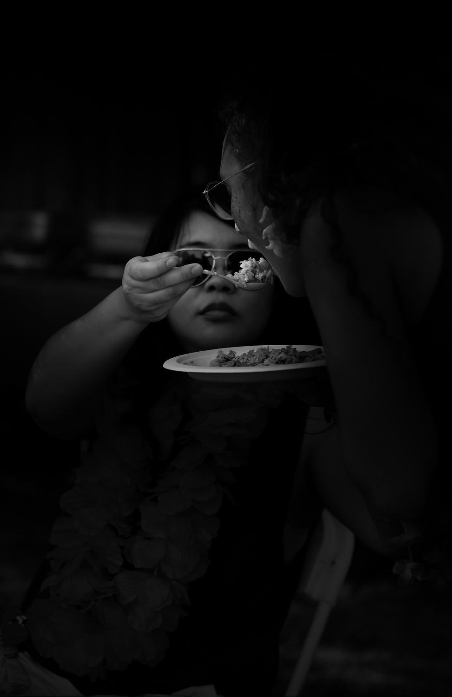 Art and Documentary Photography - Loading Neighbors_sharing_food.jpg