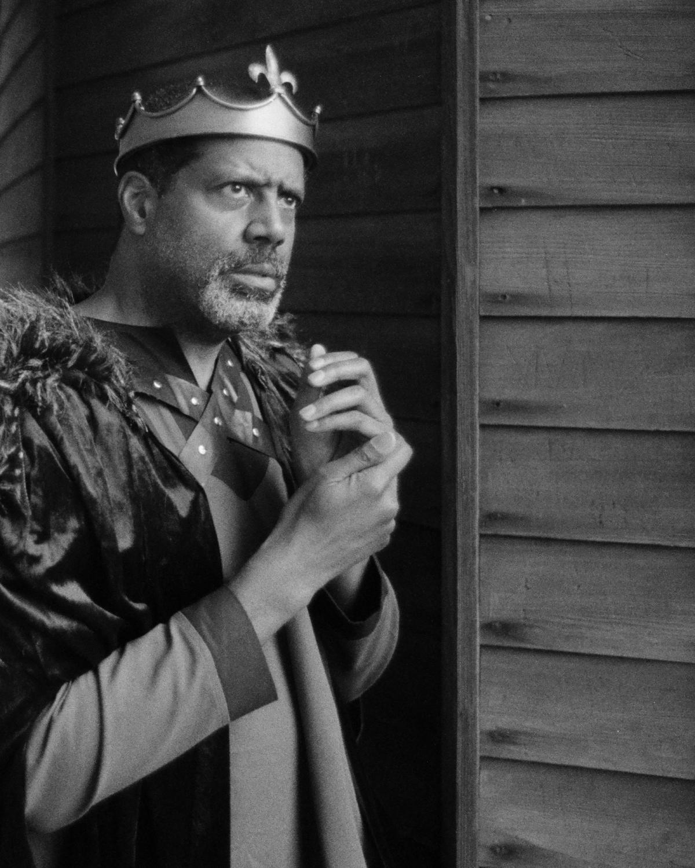Art and Documentary Photography - Loading king-stephen-de-blois-by-douglas-despres-5.jpg