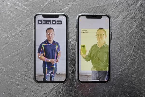 Carlos Obando (34) and Hugo Jácome (34), founders of TALOV, developed two applications based on augmented reality and artificial intelligence to improve accessibility for people with visual and hearing disabilities. SpeakLiz and Vision are the apps that are already available for iOS and Android. Andrés Yépez. May 6, 2021. Ibarra-Ecuador.