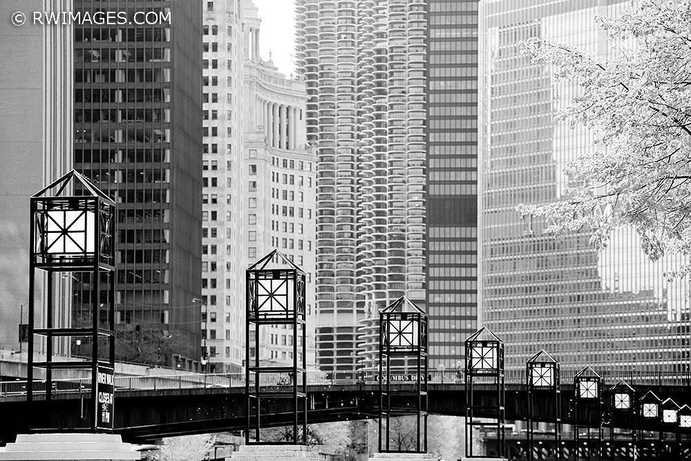 Photography image - Loading 2104270035_X_CHICAGO_ILLINOIS_small.jpg