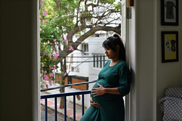 A Lonely Road to Childbirth