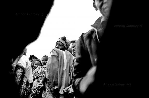 IDPs in the village of Kanabayonga, waiting for food distribution by WFP, North Kivu.