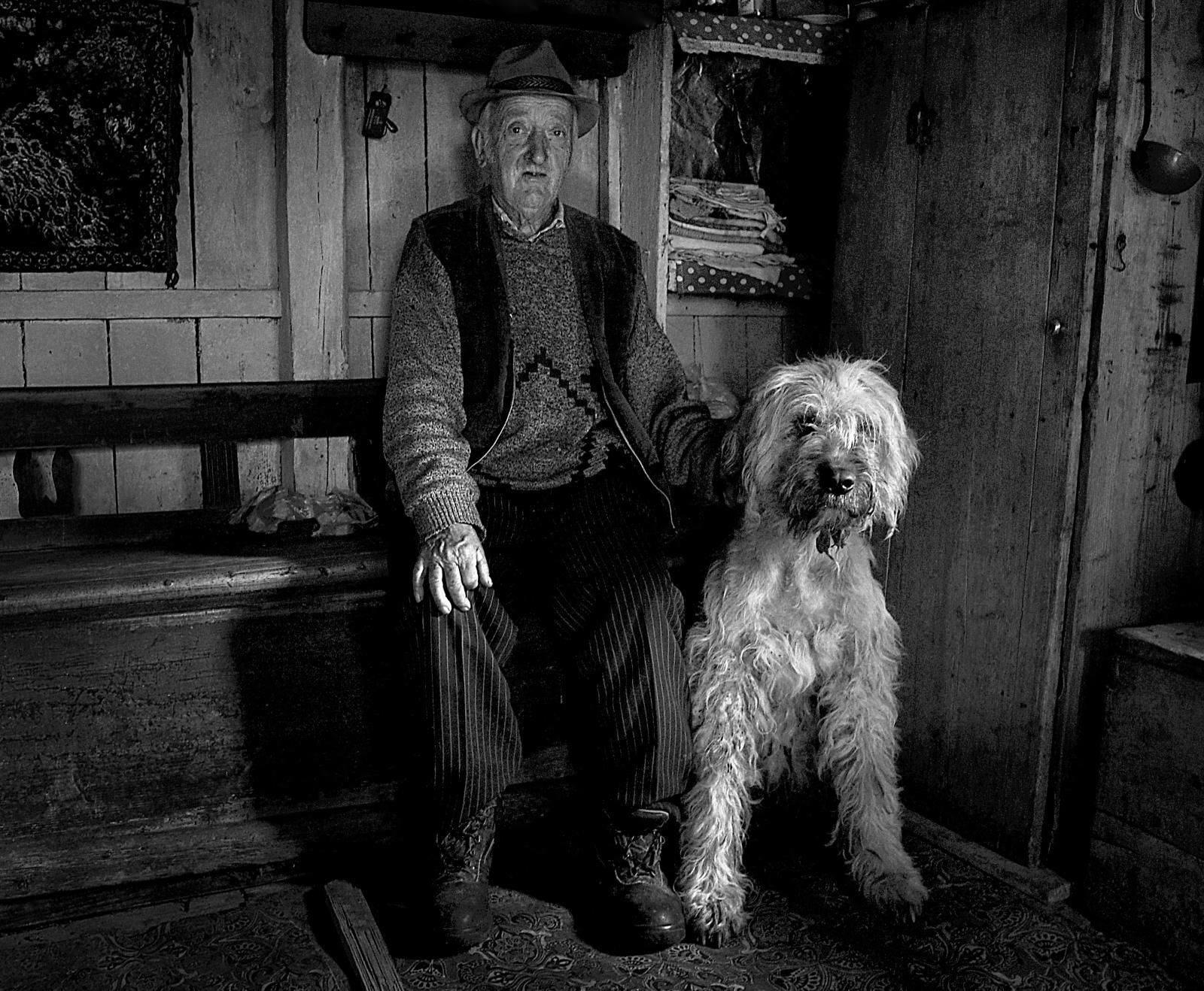 Photography image - Loading Shepherds_from_Transylvania_-4.jpg