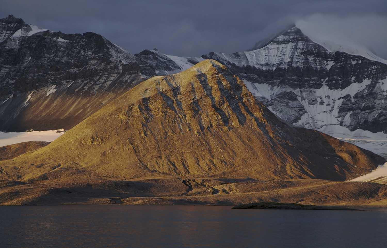 Photography image - Loading HC_Hannah_Arctic_111.jpg