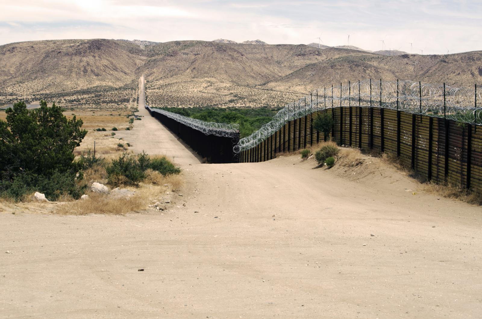 Photography image - Loading expanse_of_border.jpg