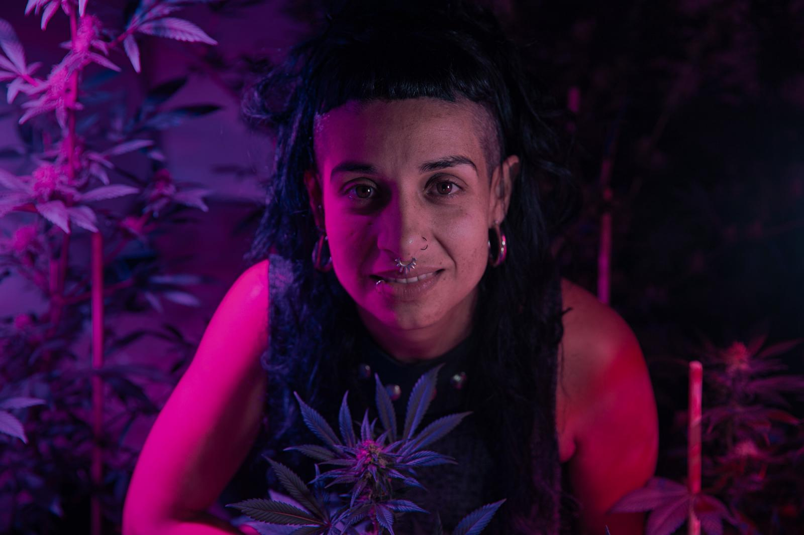 Polita Pepper. For years, she has dedicated herself to creating and disseminating educational programs related to Cannabis and its potential in Mexico. Made with the support of Fundación Gabo.