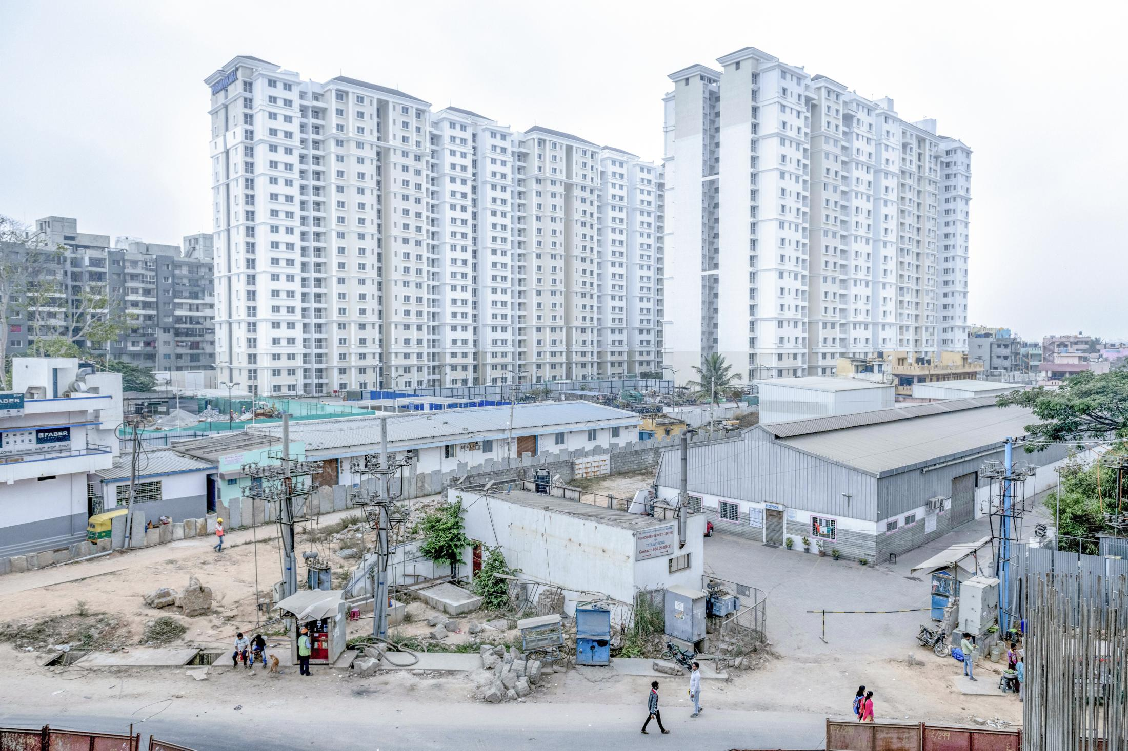 The city has been successful in drawing high levels of foreign direct investment, along with structural reforms. This encourages foreign real estate investors who are interested in the India's favourable growth dynamics.