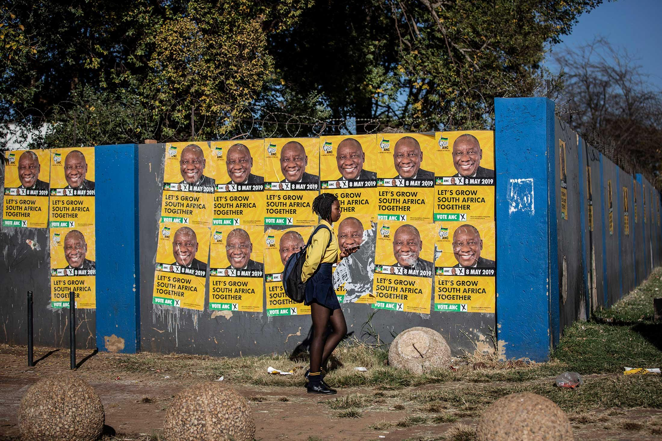Art and Documentary Photography - Loading south-africa-elections-stamp-02.jpeg