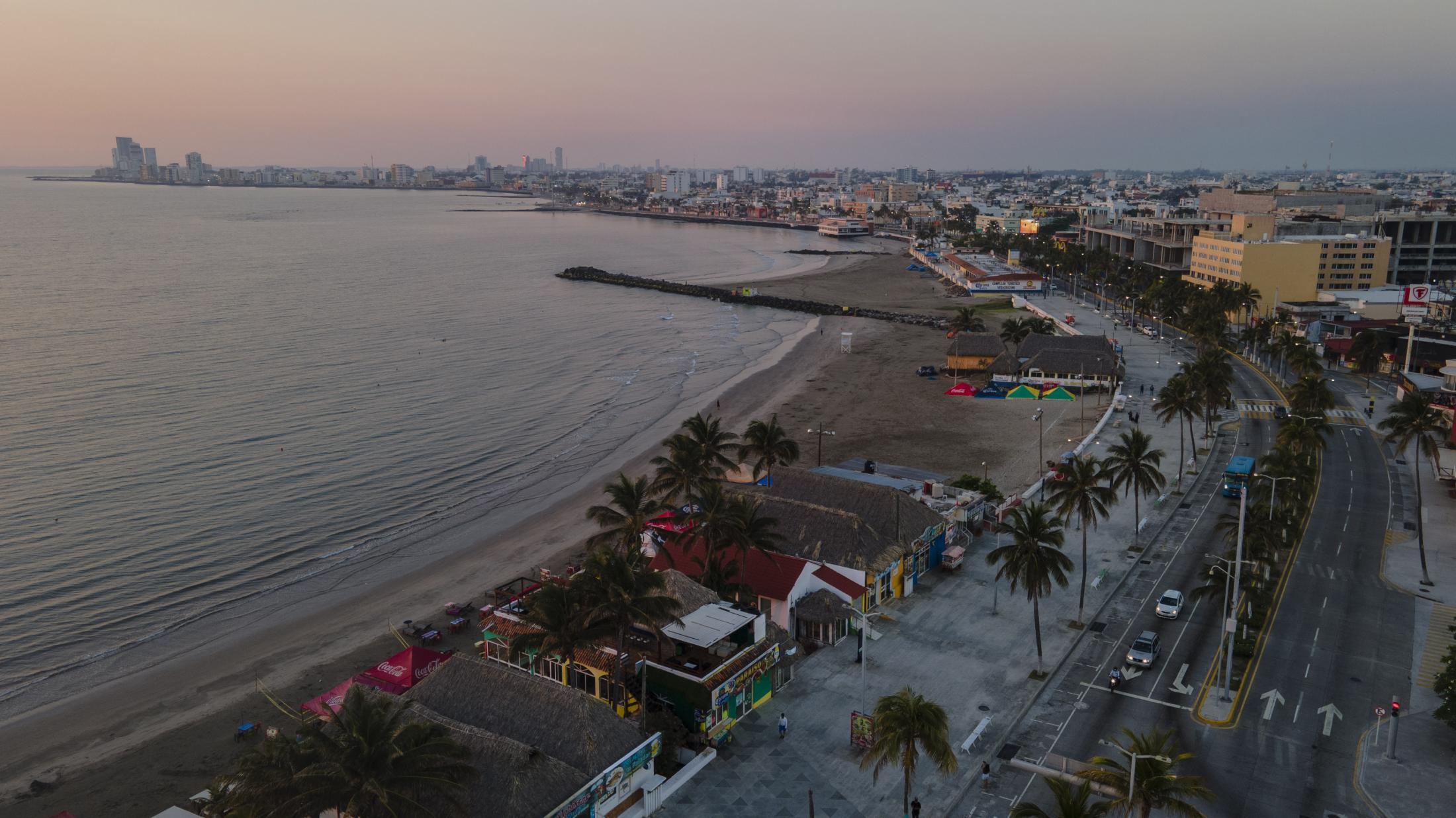 Vista aérea de la zona turística del Puerto de Veracruz, donde se encuentran los sitios donde laboró Paola Reyes como cocinera de mariscos. En Veracruz, México. El 25 de Marzo del 2021.