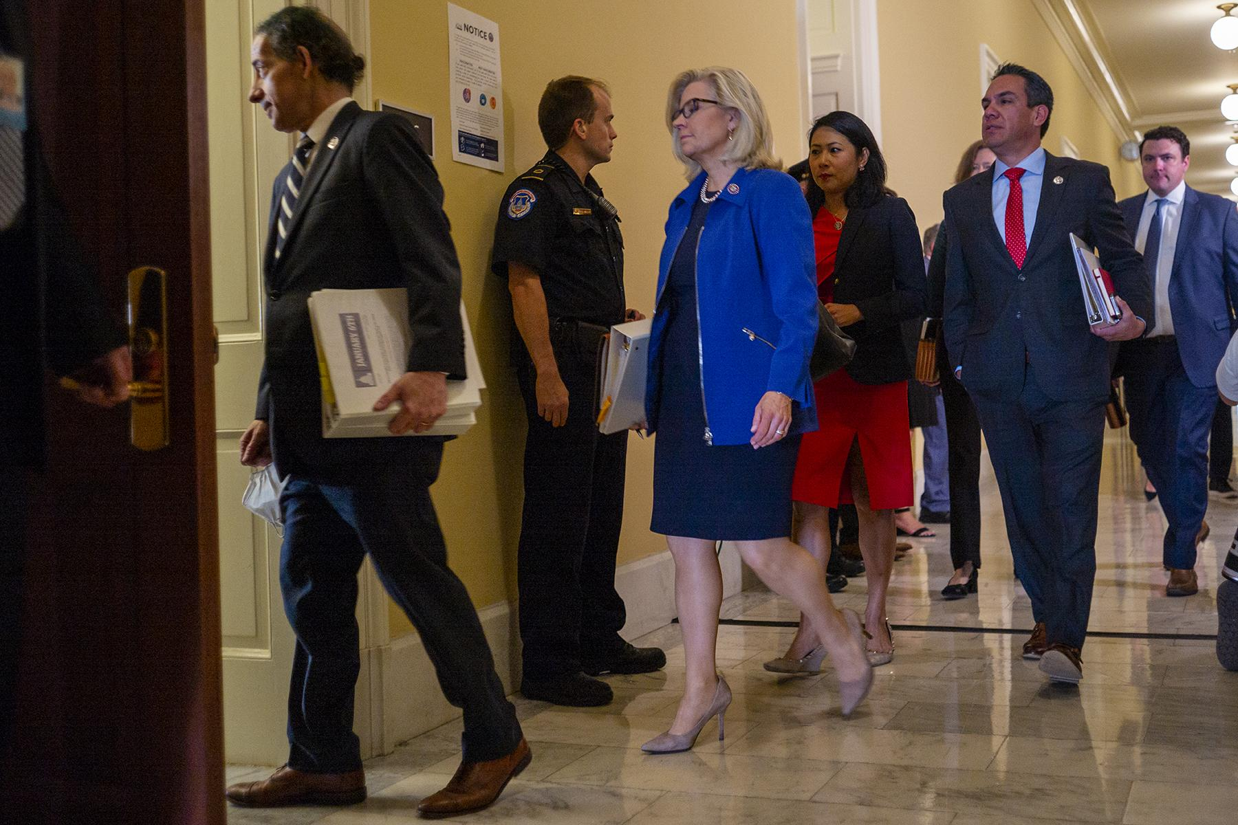 Liz Cheney walking into the hearing in the Cannon Office Building in the day the January 6 Commission started.