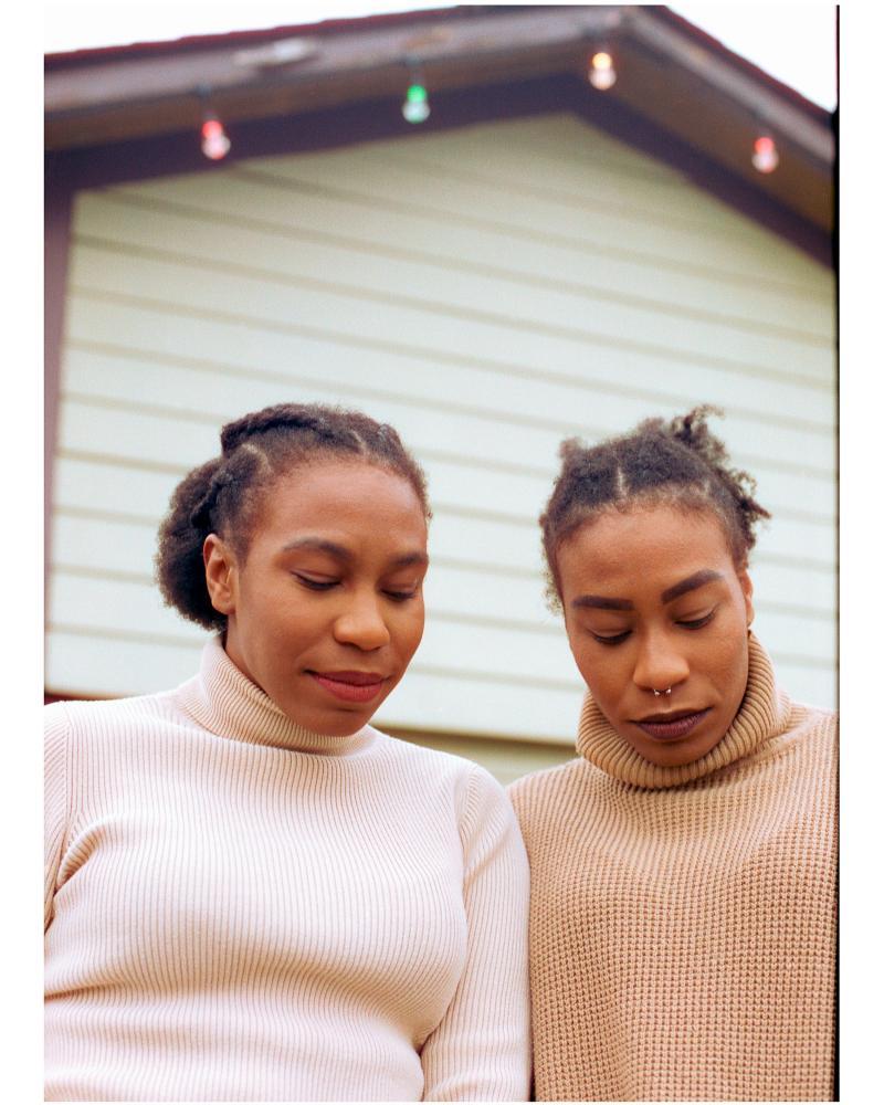 Sisters, 2021