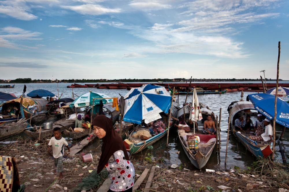 Art and Documentary Photography - Loading Mekonk11.JPG