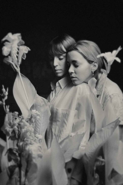 Art and Documentary Photography - Loading GARDEN_ANGELS004.JPG