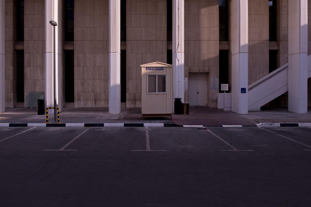 Art and Documentary Photography - Loading Life,Inc_Dubai_2013_006.jpg