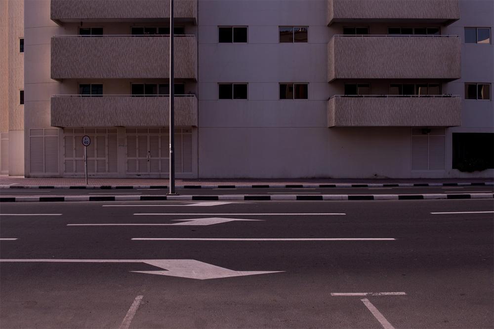 Art and Documentary Photography - Loading Life,Inc_Dubai_2013_007.jpg