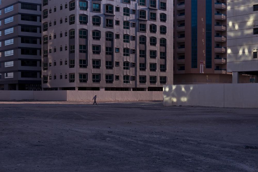 Art and Documentary Photography - Loading Life,Inc_Dubai_2013_004.jpg