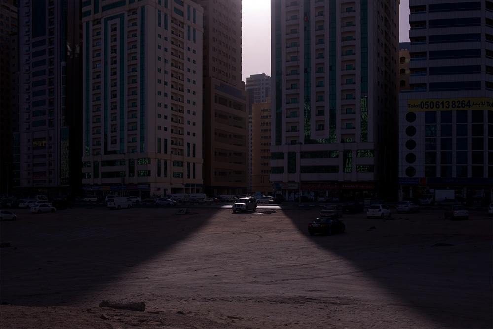 Art and Documentary Photography - Loading Life,Inc_Dubai_2013_005.jpg