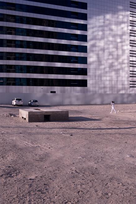 Art and Documentary Photography - Loading Life,Inc_Dubai_2013_008.jpg