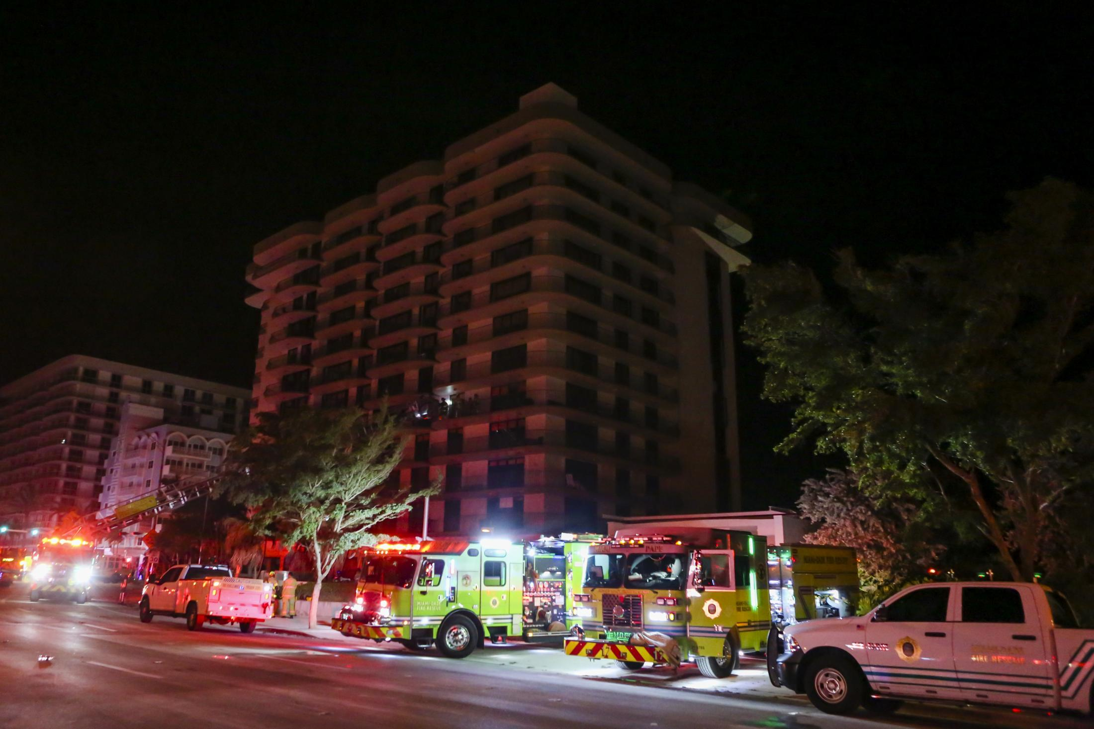 A rescue operation of a building partially collapse in Surfside, Florida, U.S., on Thursday, June 24, 2021. Photographer: Eva Marie Uzcategui/Bloomberg in Surfside, Florida, U.S., on Thursday, June 24, 2021. Photographer: Eva Marie Uzcategui