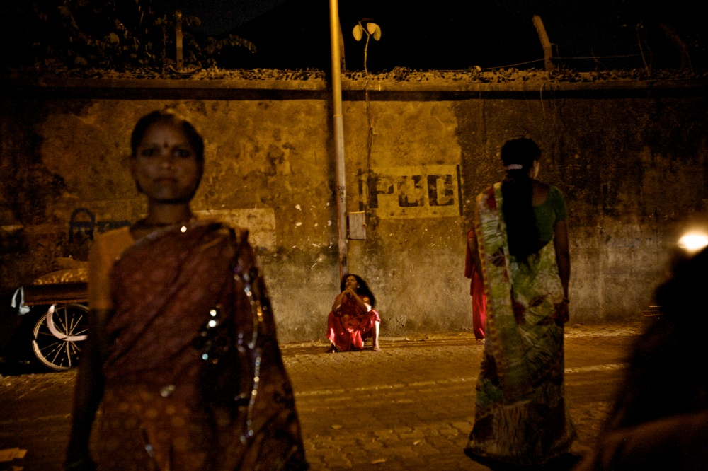 Art and Documentary Photography - Loading The Sisters of Kamathipura  42.jpg