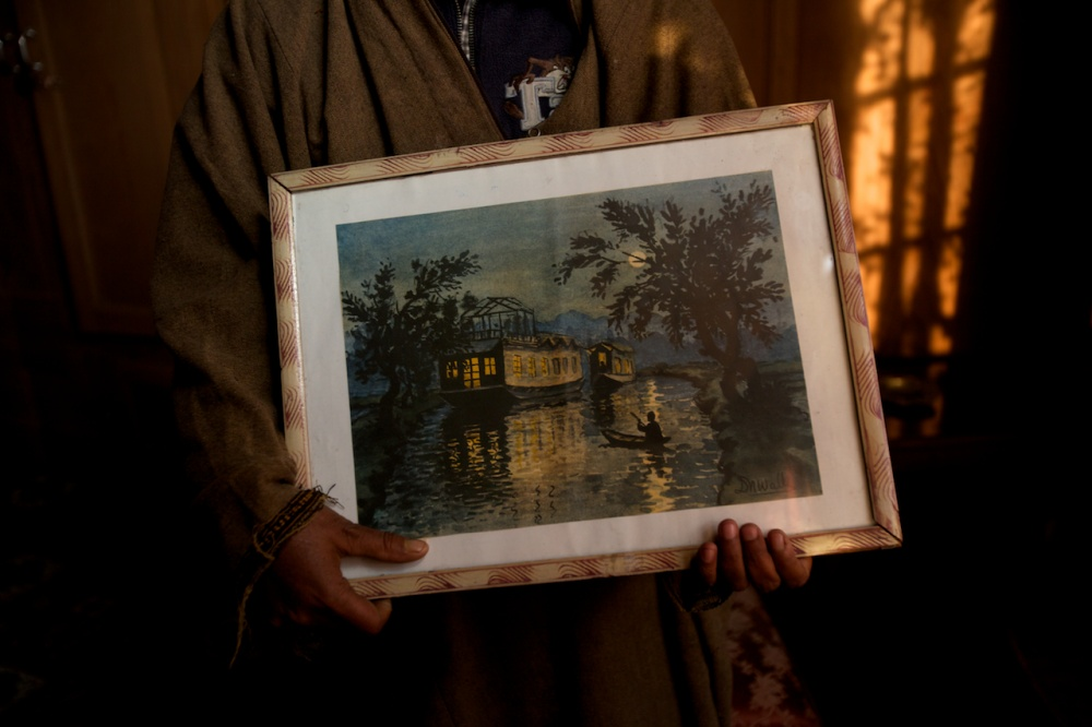 Art and Documentary Photography - Loading The Forgotten Houseboats of Kashmir  35.jpg