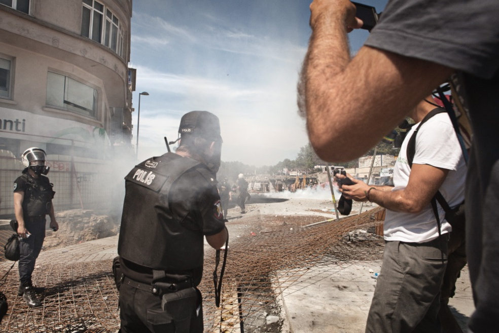 Art and Documentary Photography - Loading Massimo_Barberio_Def16.JPG