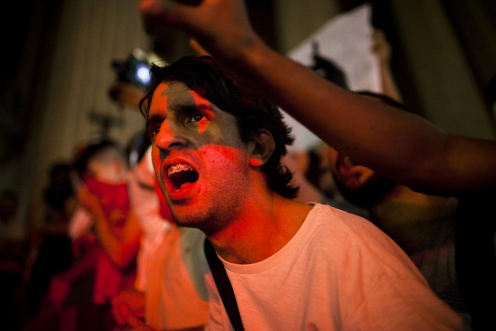 Art and Documentary Photography - Loading rioprotests011.jpg