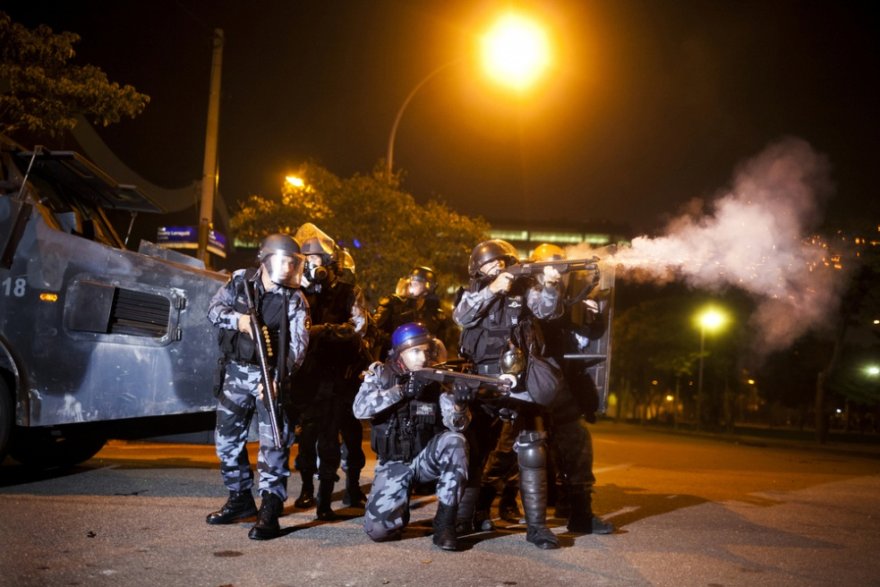 Art and Documentary Photography - Loading rioprotests022.jpg
