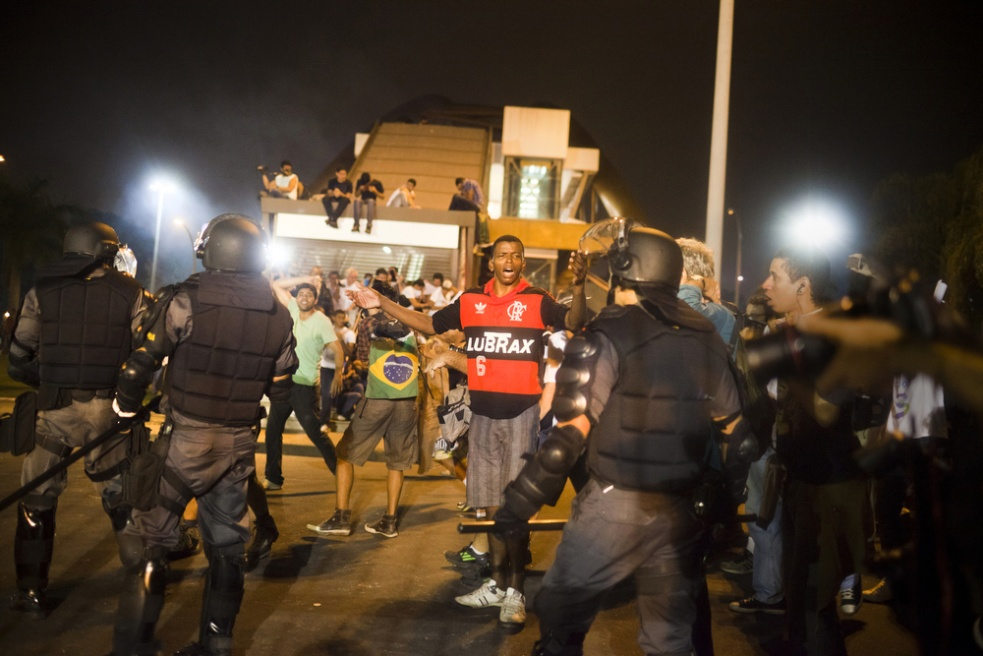 Art and Documentary Photography - Loading rioprotests028.jpg