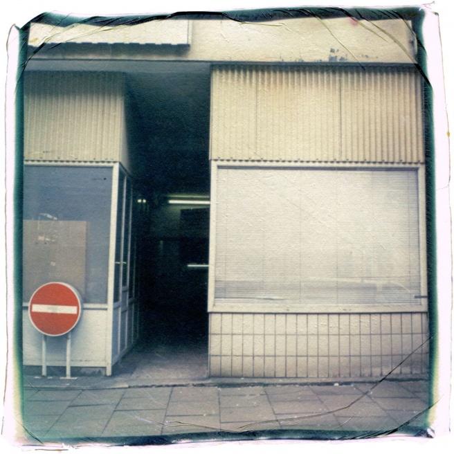 Art and Documentary Photography - Loading 54_13041902_ParkhausNeueGröningerstr.jpg