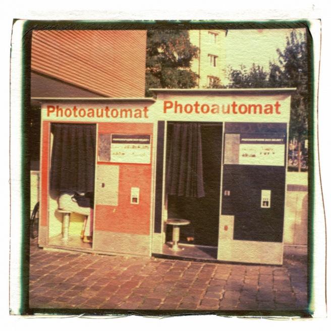 Art and Documentary Photography - Loading 78_13082802_FotoautomatStPauli.jpg