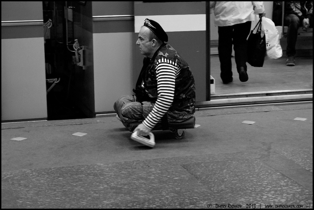 Art and Documentary Photography - Loading 1_DSC1526инвалид в метро.JPG