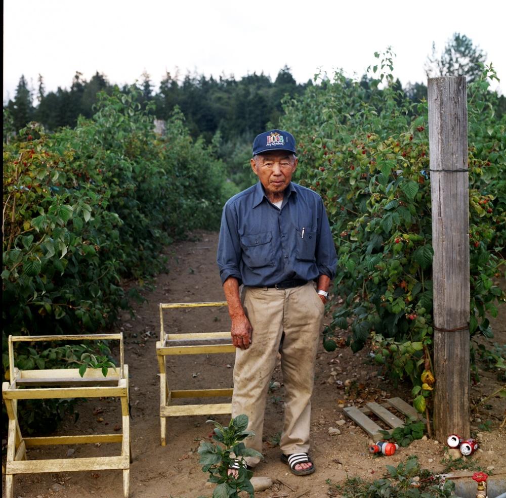 Art and Documentary Photography - Loading 35MrSeyumatsu.jpg