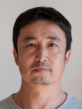 Yasuyoshi Chiba Photo